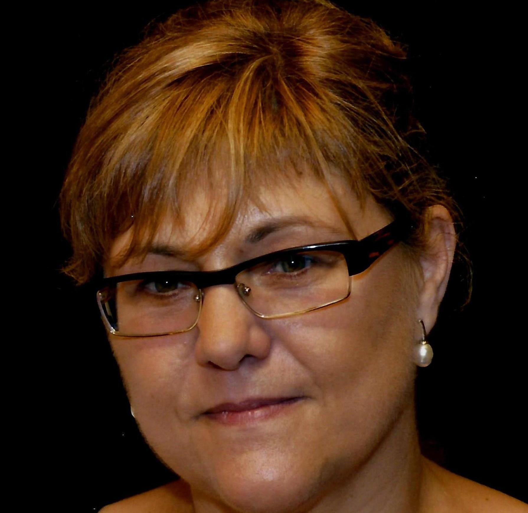 Leonor Perez Zafon